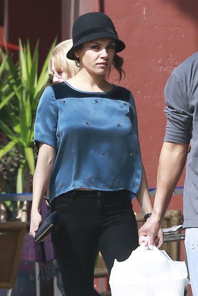 Sin embargo, Ashton Kutcher no ha hecho alarde por el cuerpo de su mujer.