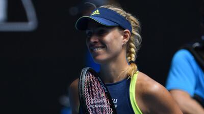 Angelique Kerber se exhibe aplastante en Australian Open durante su pase a semifinales