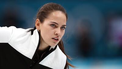 La sorprendente 'Angelina Jolie' del curling de los Juegos Olímpicos de Invierno