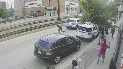 Revelan el video completo del momento en que un hombre es baleado mortalmente por un oficial de policía