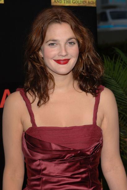 Con una melena roja como el fuego, Drew Barrymore se casó por seg...