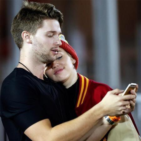 Parece que a Miley le está costando trabajo olvidarse del modelo.