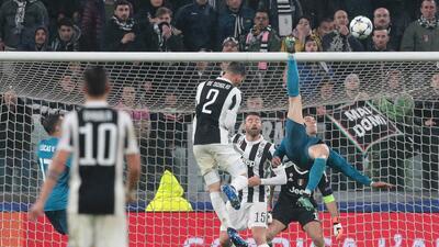 Paso a paso, Cristiano Ronaldo enseña cómo hacer un golazo de chilena en Champions