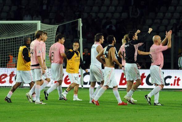 Luz y sombra, mientras el Palermo festejaba su importante victoria el pl...
