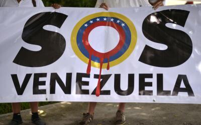 Meimbros de la comunidad venezolana en México protestan contra el...