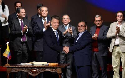 El gobierno de Colombia y las FARC firman nuevo acuerdo de paz