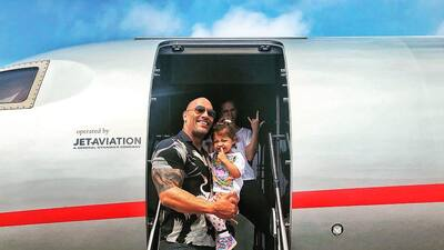 Con esta foto 'The Rock' demuestra que su mejor papel es el de padre y esposo
