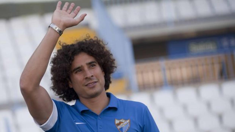 Ochoa permaneció en el banquillo de su nuevo equipo.