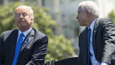 Donald Trump y Jeff Sessions en una foto reciente