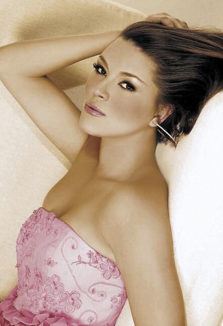 Alicia Machado cumple 21 años de ser reina de belleza AliciaMachado2.jpg