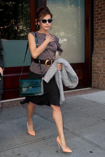 El 'street style' mega 'fashionista' de esta latina definitivamente la c...
