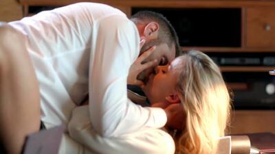 Johny casi descubre el romance entre Lucía y Jacobo