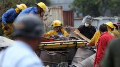 Al menos 11 muertos y 75 heridos dejó un choque múltiple de vehículos en...