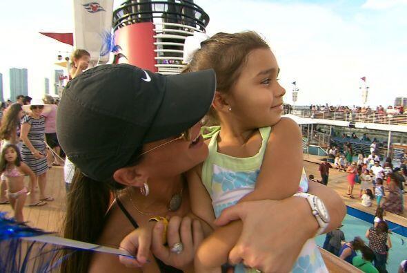 Bárbara con su bebé, Camila.