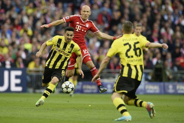 El Borussia fue mejor en losprimeros minutos del partido. Tuvo más el ba...