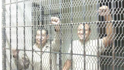Los líderes de la CNTE, luego de la noticia de la aprobaci&oacute...