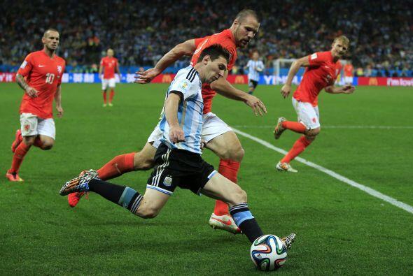 En la competencia marcó cuatro goles y dio una asistencia durante los 69...