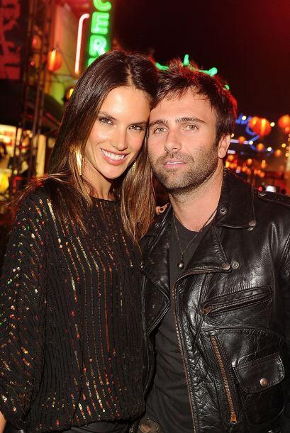 Alessandra Ambrosio y Jamie Mazur son la pareja perfecta. Mira aquí lo ú...