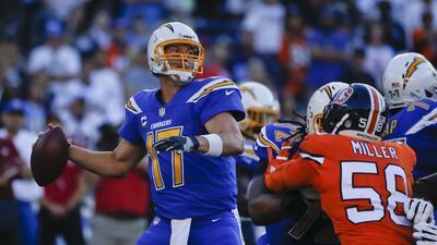 Broncos vs. Chargers, un choque lleno de color abrió la Semana 6 de la NFL