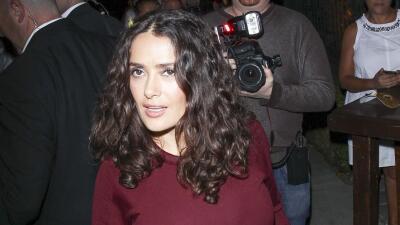 Salma Hayek celebrando el Día de Muertos.