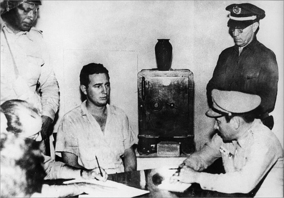Fidel Castro detenido en julio de 1953 tras el fracaso del asalto al cua...