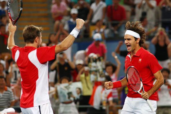 Ganó la medalla de oro para Suiza en la modalidad de dobles en los Juego...