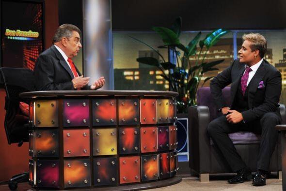 Don Francisco platicó  con el cantautor Eduardo Antonio.