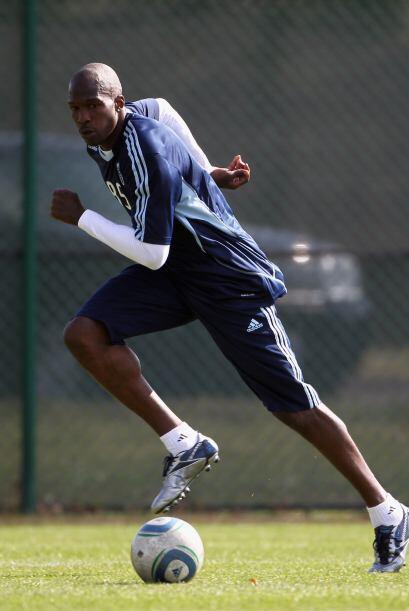 Chad mostró su excelente forma física desde la primera parte de la práct...