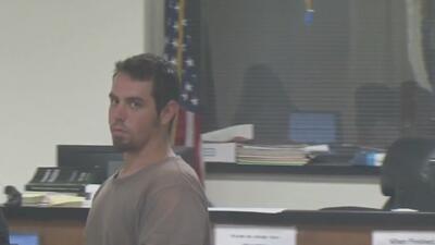 Presentan cargos al sospechoso de arrollar a un policía y robar una patrulla
