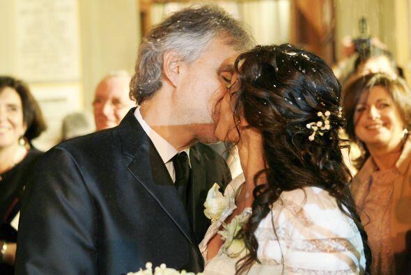 Encantadoras fotos de la boda de Andrea Bocelli y Verónica Berti. Más vi...