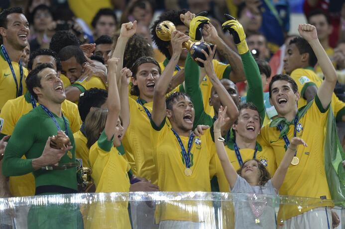 Brasil tiene el récord de más títulos con 4: 1997, 2005, 2009 y 2013. Ad...