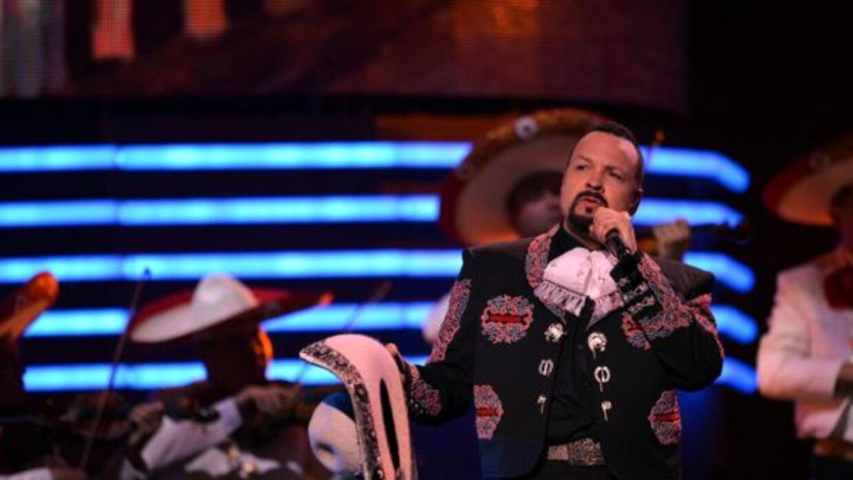 El cantante Pepe Aguilar fue premiado por el Caucus Legislativo Latino d...