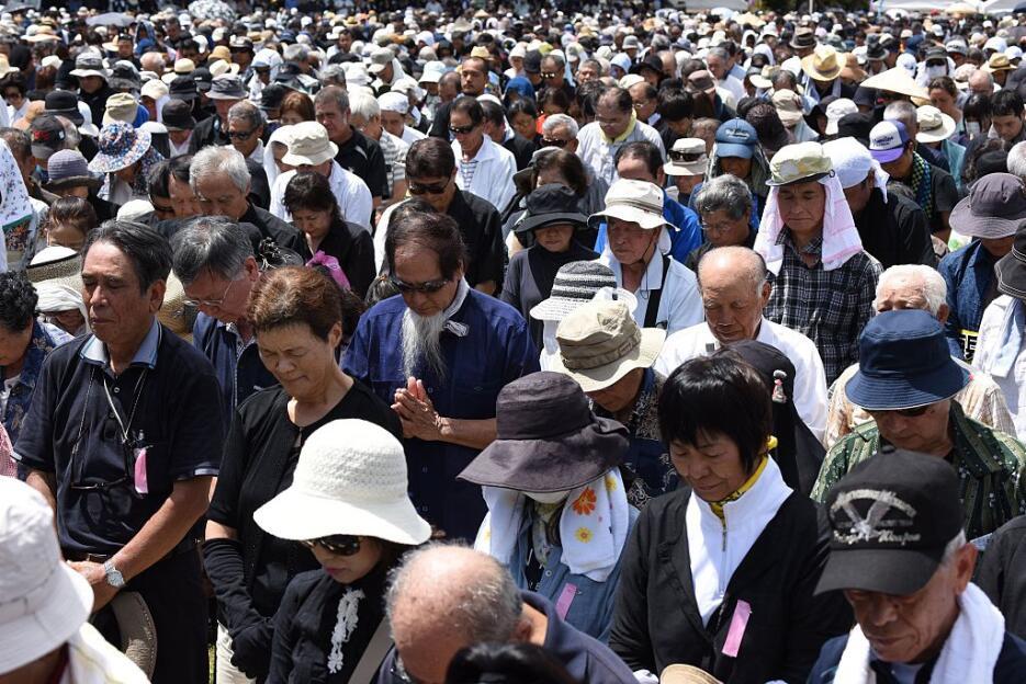 Protestan en Japón contra bases militares de Estados Unidos okinawa8.jpg