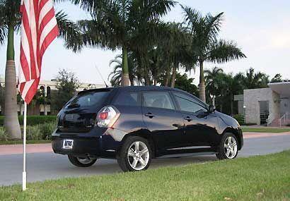 En general, el Pontiac Vibe es un auto atractivo, sus diseñadores le han...