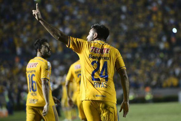 Tigres derrotó 2-1 en el marcador global al Emelec para instalarse en la...