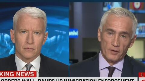 Jorge Ramos habla con Anderson Cooper sobre las recientes acciones ejecu...