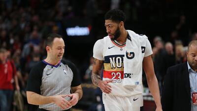 Los Pelicans pierden 15 días a Davis por torcedura en un dedo