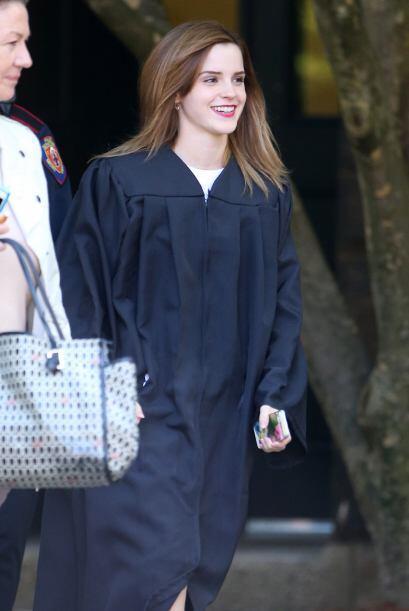 Emma estaba empeñada en conseguir su título universitario. Vota aquí por...