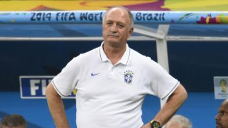 Scolari no presentó su renuncia como DT a pesar de la desastrosa actuaci...