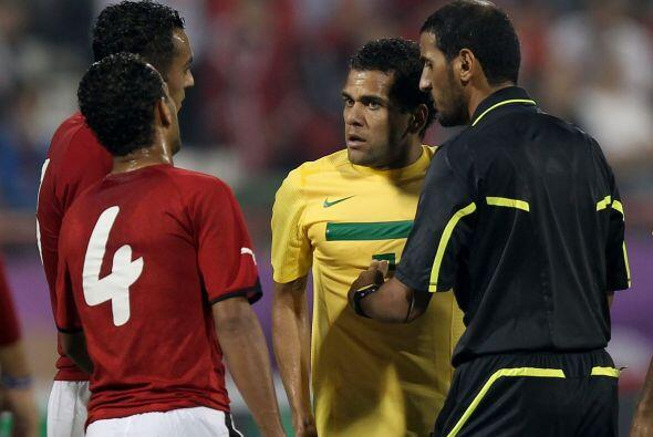 Brasil, teniendo una defensa sólida comandada por Thiago Silva, jugador...