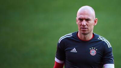 Robben está lesionado, no viaja con el Bayern para partido contra el Ajax