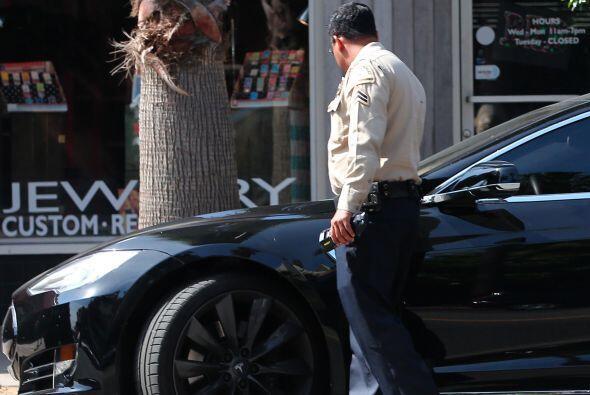 Un día más, una infracción para el descuidado dueño de este lujoso auto,...