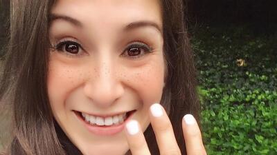 Una mujer salió a correr y un hombre la apuñaló mortalmente: todo quedó registrado en video