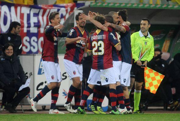 Era fiesta azul y roja, ante la mirada de los de la Juventus.