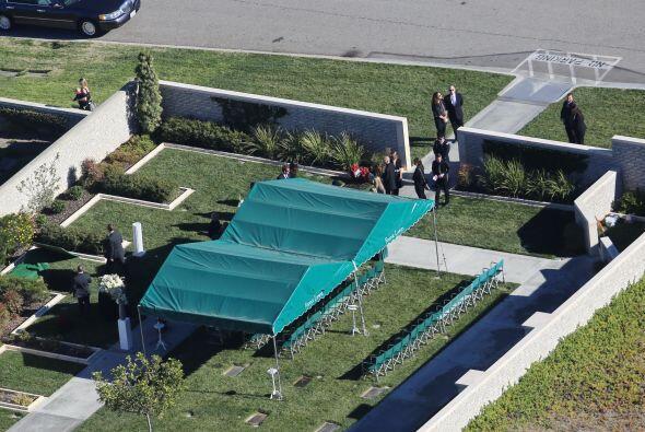 Los restos de Paul fueron depositados en el cementerio Forest Lawn Memor...