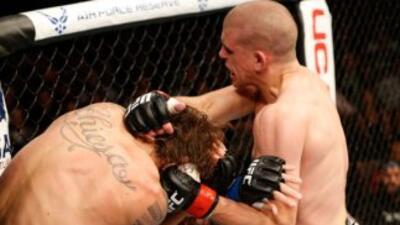 UFC 180: Joe Lauzon enfrentará a Diego Sánchez en México.