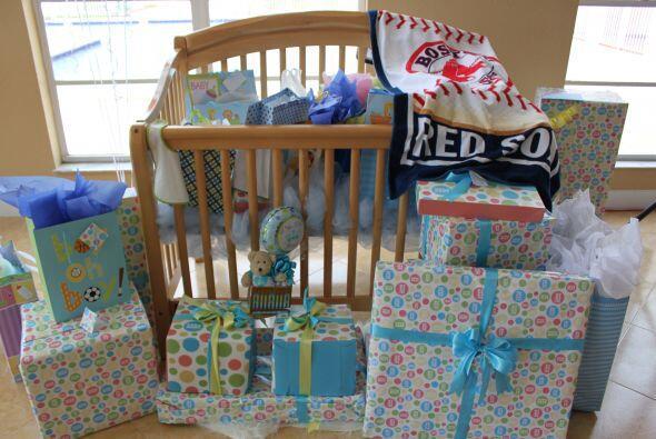 Esa cunita lucía maravillosa rodeada de tantos regalos llenos de amor.