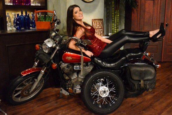 Y ya sea en moto o caminando saben como seducir a un perro,