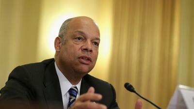 Jeh Johnson, secretario de seguridad, informó que, a causa del bloqueo,...