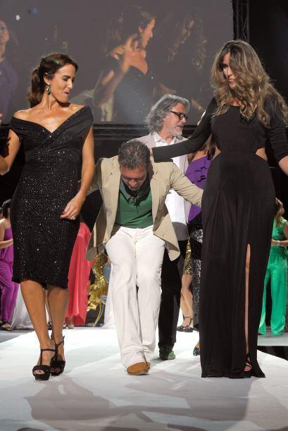 ¡Ya llegó, ya llegó! Ya llegó Antonio el bailador... Mira cómo el españo...